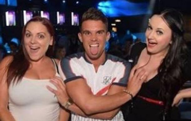 Gaz Beadle under fire for nightclub promo photo that shows him touching two women's breasts