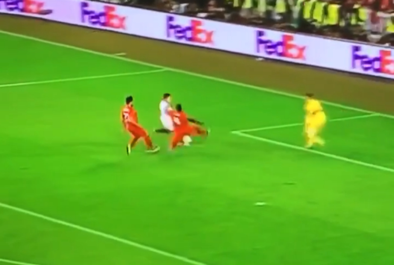 Kolo Toure forgets he's 35 with unbelievable covering tackle to deny Kevin Gameiro