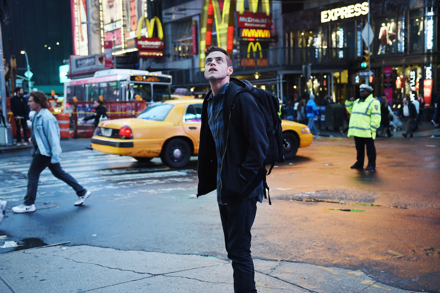 10 reasons you need to watch Mr. Robot