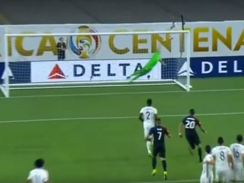 Arsenal goalkeeper David Ospina produces stunning save to deny ex-Tottenham star Clint Dempsey for Colombia