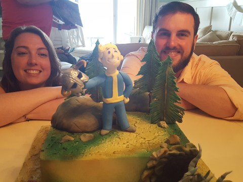 This couple's wedding cake is total goals for everyone with a love of gaming