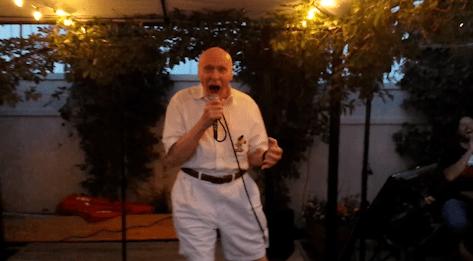 82-year-old John Hetlinger sings Drowning Pool's Bodies, everyone loses their minds