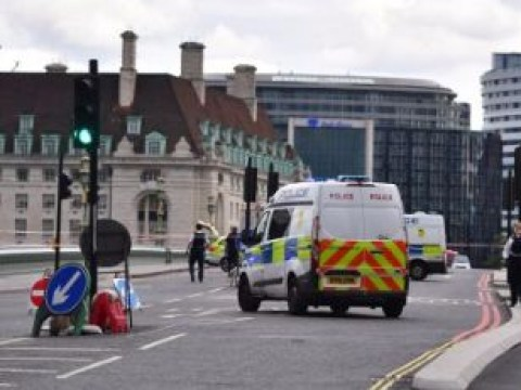 Westminster Bridge closed by abandoned SmartCar