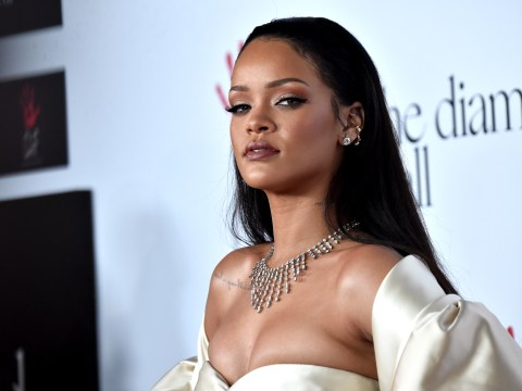 Rihanna mobbed by fans in new music video for Goodnight Gotham