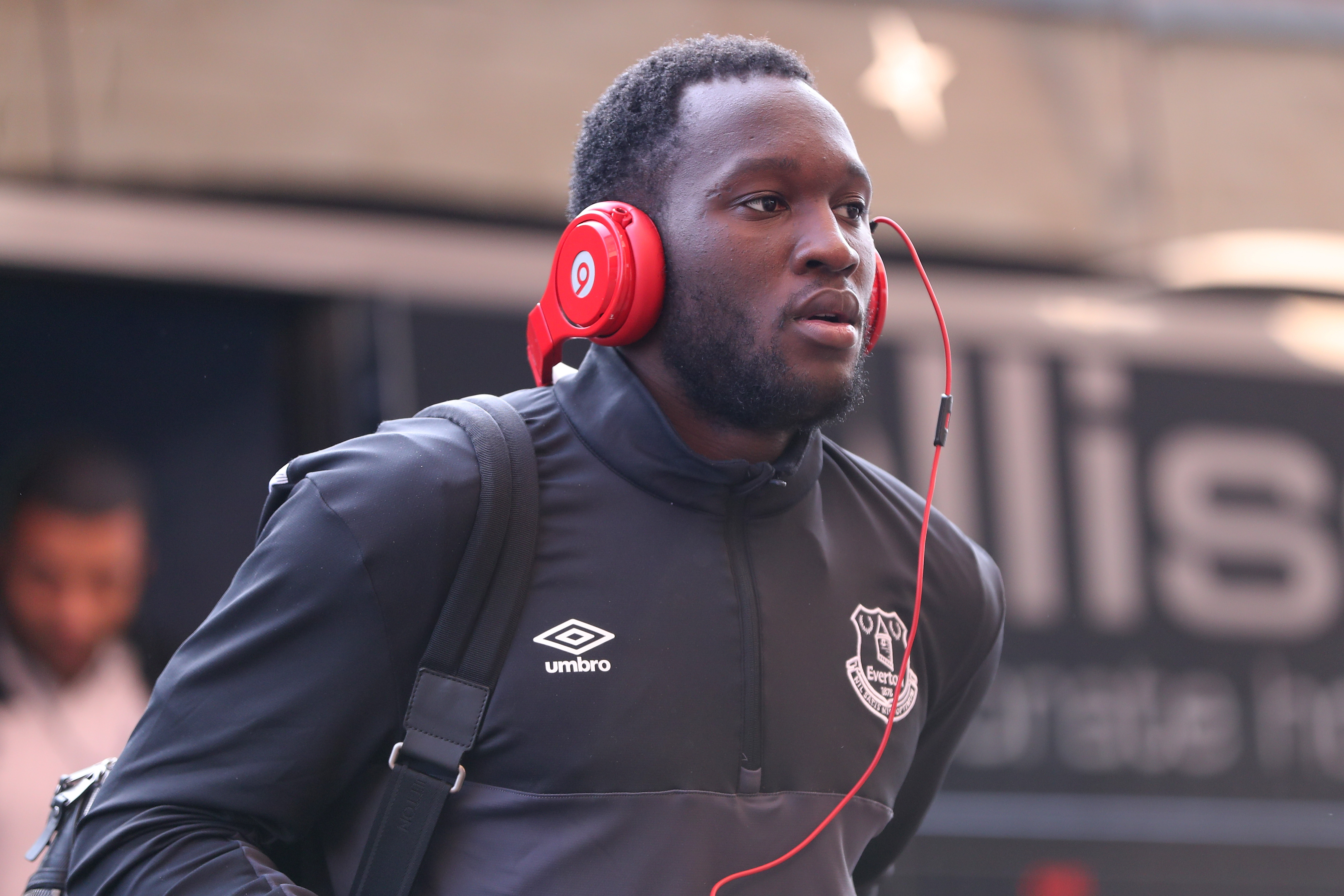 Why Chelsea should not buy Romelu Lukaku back from Everton in this transfer window