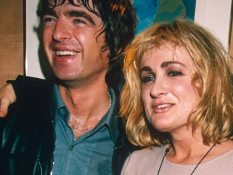 Noel Gallagher dedicates Half The World Away to Caroline Aherne on tour