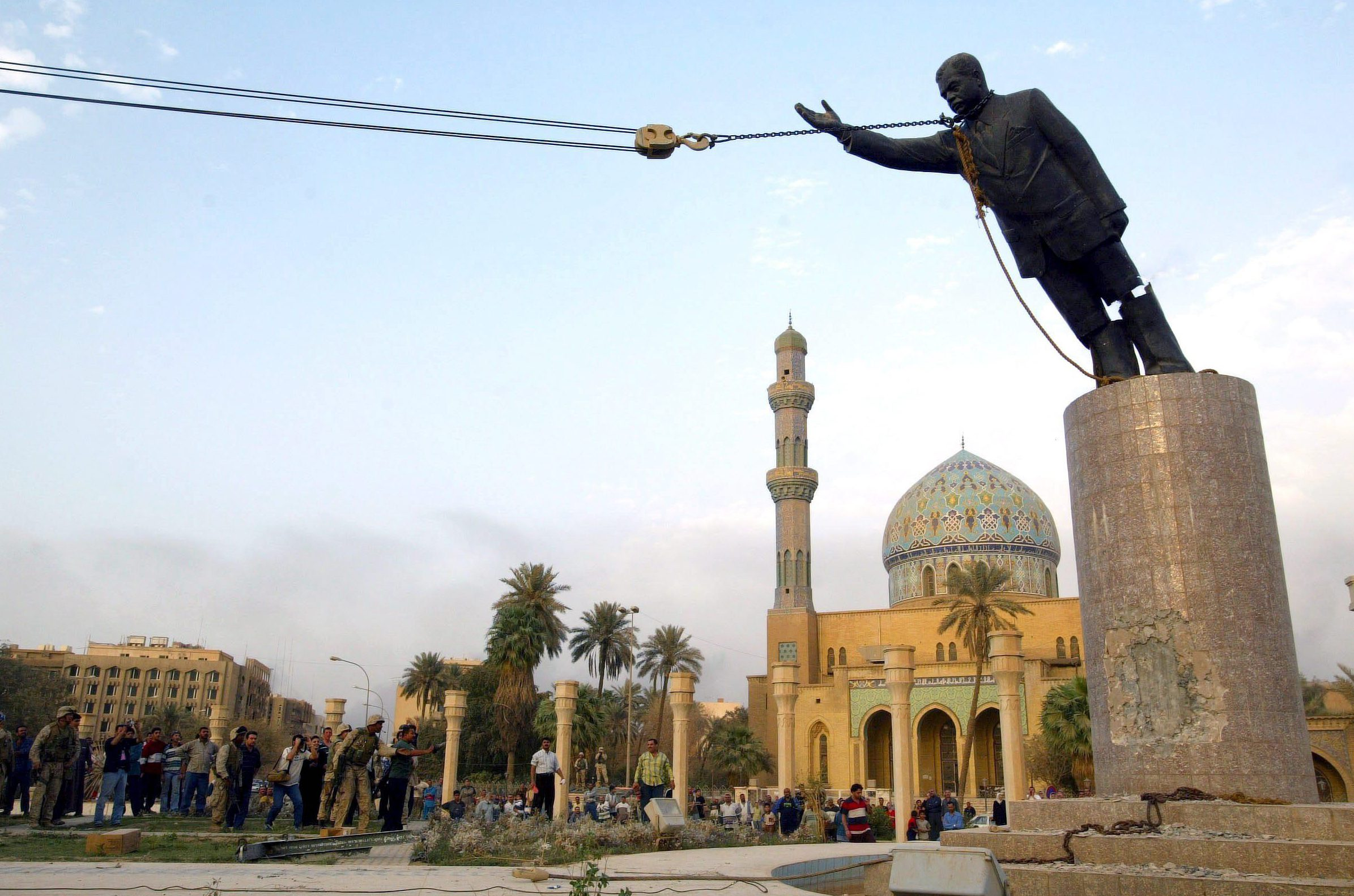 Man who brought down Saddam statue says he regrets it