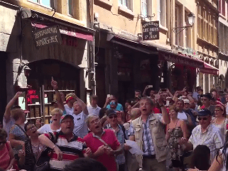 Video: Wales fans serenaded by Lyon locals ahead of Euro 2016 semi-final