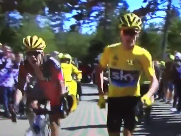 Chris Froome shows desperation to win Tour de France by RUNNING up mountain after crash