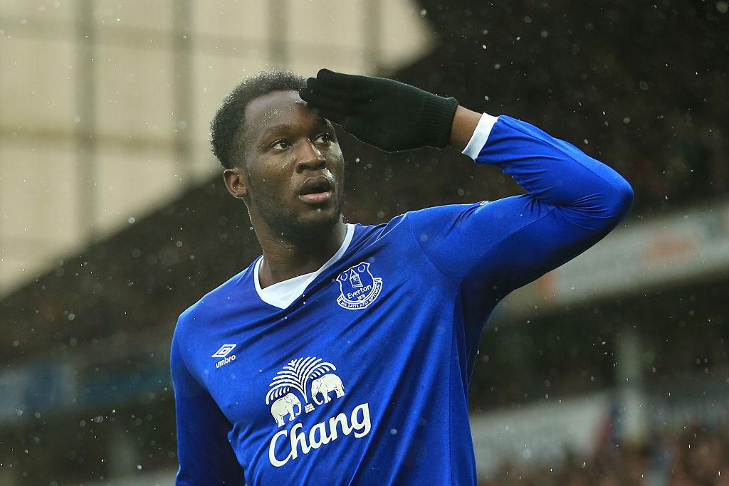 Chelsea target Romelu Lukaku tells Everton he wants to leave the club