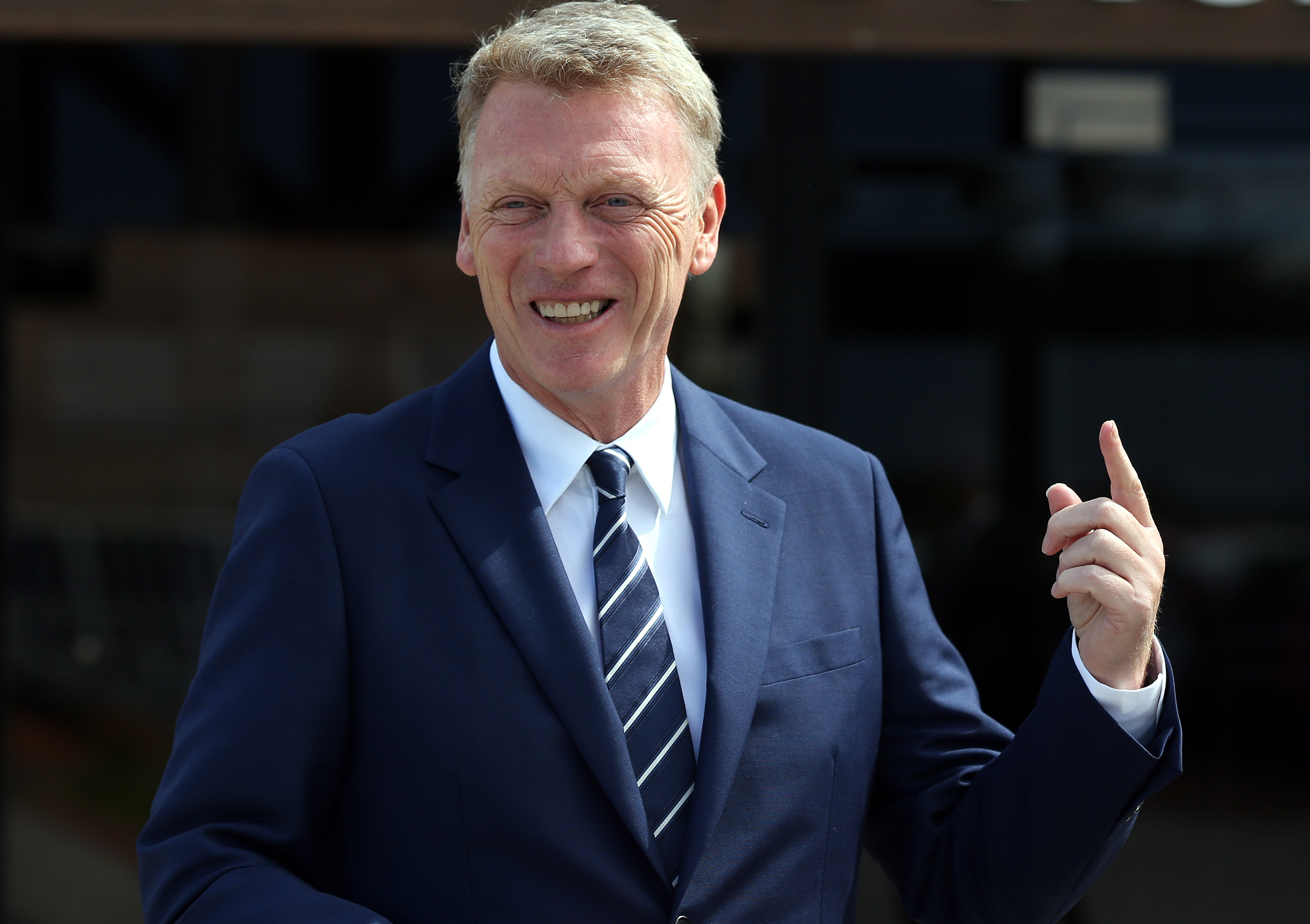 Sunderland manager David Moyes confirms interest in Manchester United players