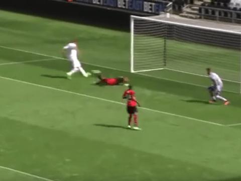 Video: Fernando Llorente misses absolute sitter on Swansea City debut