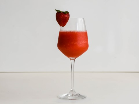 Summer cocktail recipe video – here's how to make a strawberry gin slushy