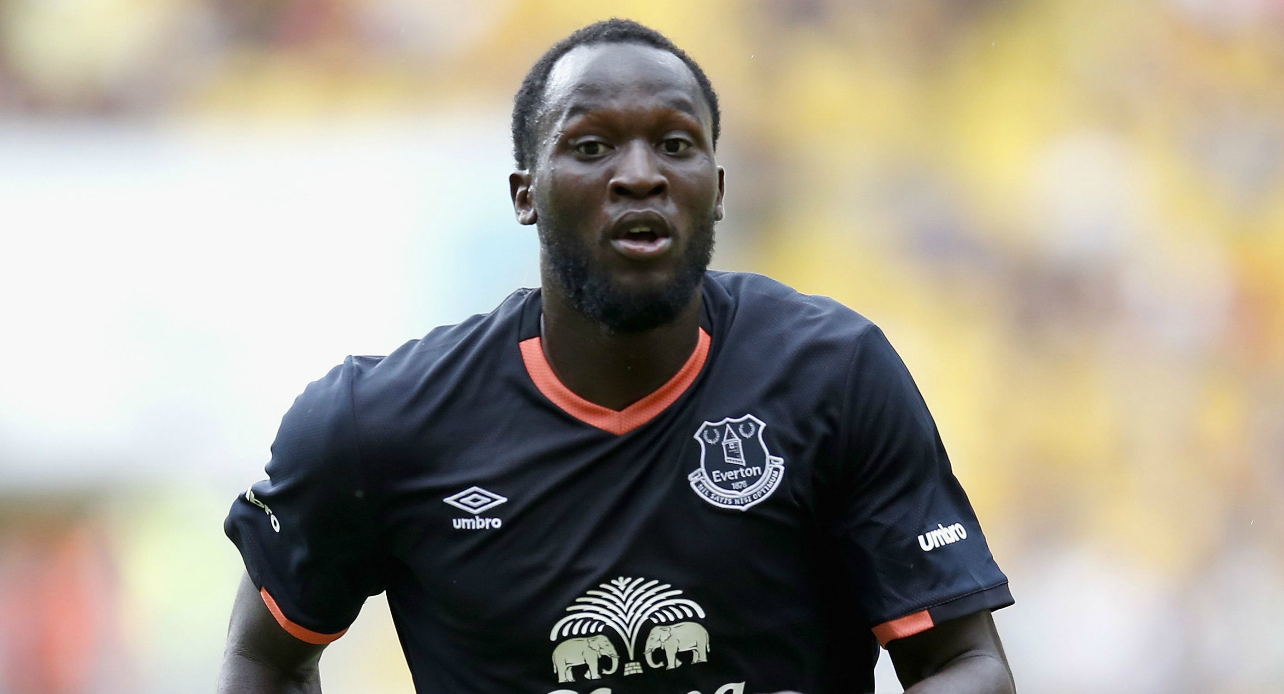 Everton open contract talks with Romelu Lukaku after becoming infuriated with Chelsea's transfer chase