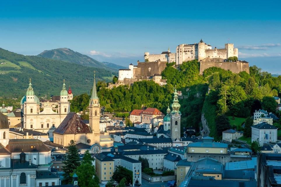 Sehenswürdigkeiten Salzburg, Blick vom Mönchsber auf die Festung Hohensalzburg und auf die Salzburger Altstadt (Picture: Tourismus Salzburg)