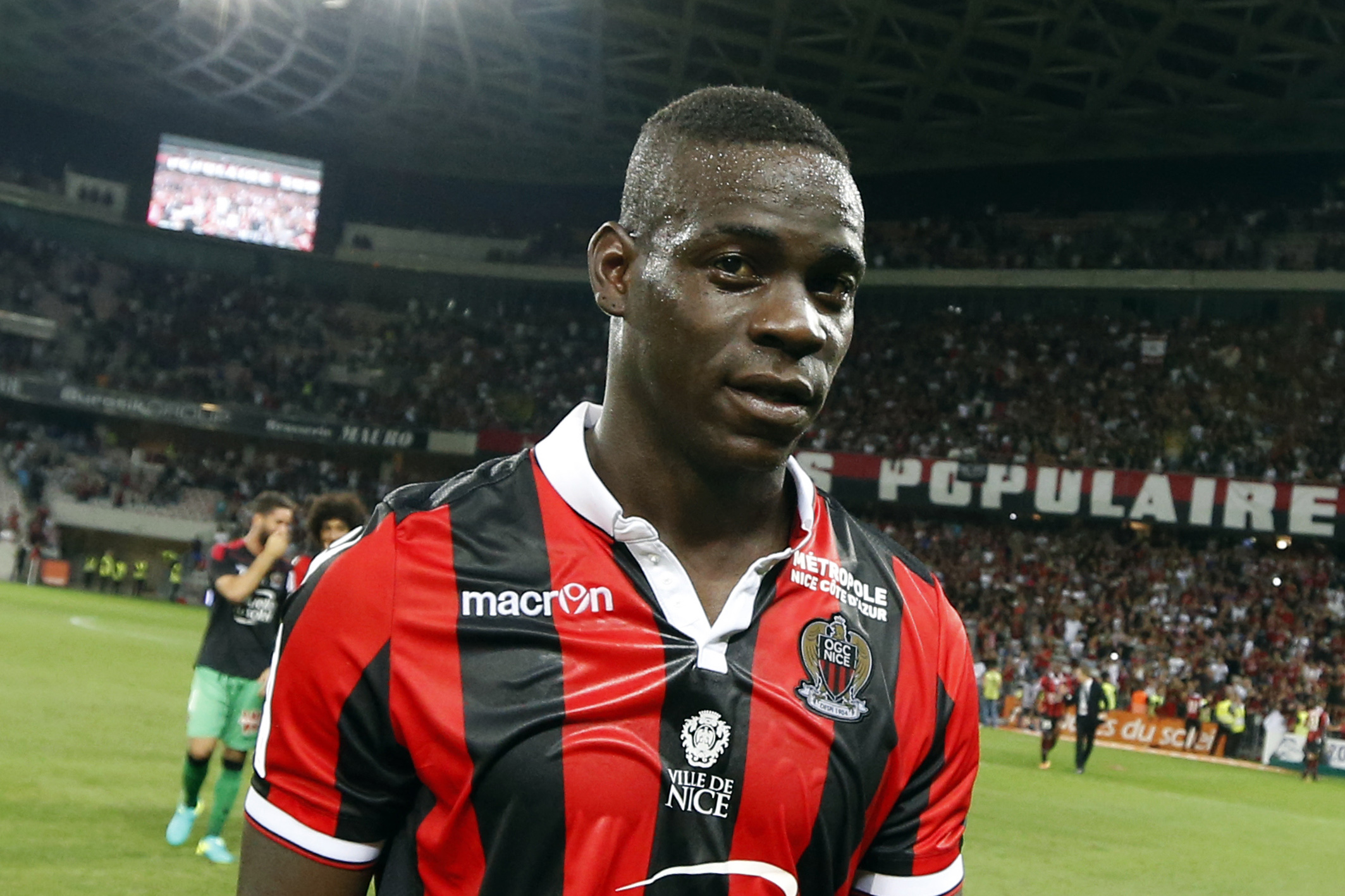 Mario Balotelli reminds the world he is actually a footballer with great goal for Nice