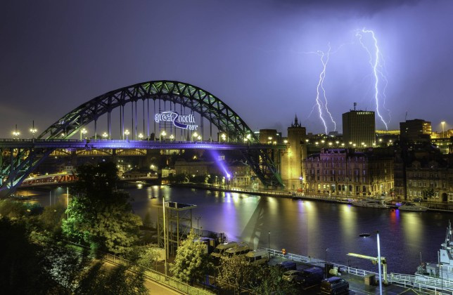Dated: 16/09/2016 **Please credit Alan Wallace/North News** Lightning strikes light up the skies over Newcastle last night (THURS) close to the iconic Tyne Bridge and Swing Bridge on Newcastle Quayside, as thunder storms hit the UK last night. See weather round-up