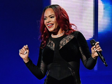 Faith Evans makes Twitter explode as she flashes EVERYTHING on stage