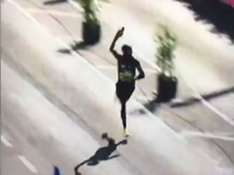 Watch: Mo Farah does an Alan Shearer impression mid-race on way to winning Great North Run