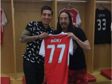 Steve Aoki gets personalised tour of the Emirates by Arsenal full-back Hector Bellerin