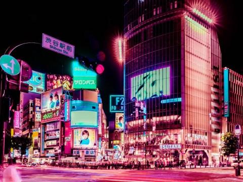 Photographer illuminates Tokyo's neon nightlife