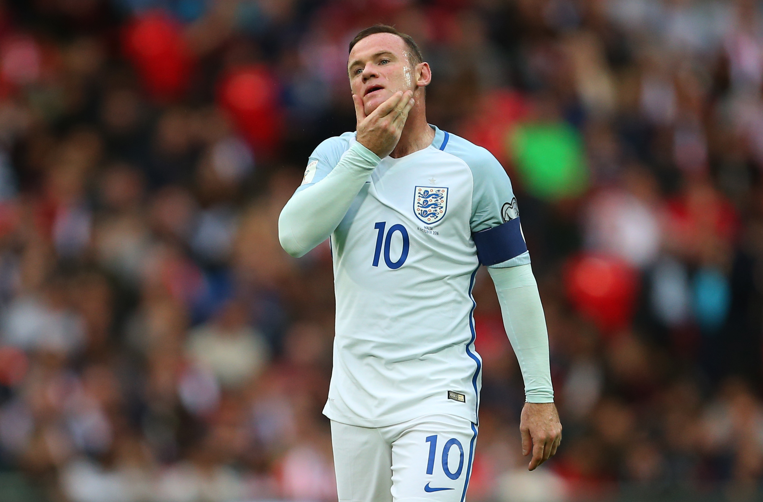 England captain Wayne Rooney defended by manager Gareth Southgate