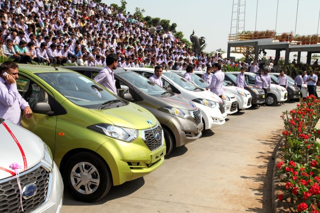 Best boss ever gifts 1,260 cars and 400 flats to his employees in