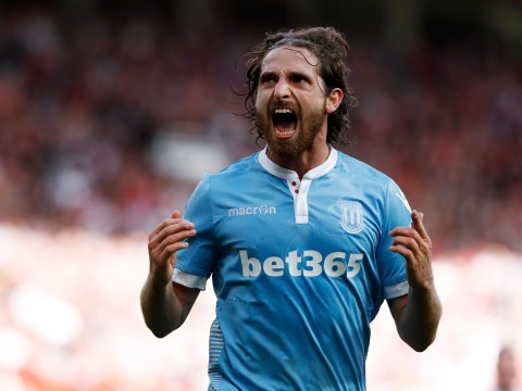 Manchester United 1-1 Stoke City: Joe Allen rescues a point for the Potters
