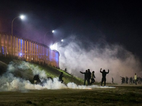 Police and protesters clash at Calais Jungle ahead of demolition