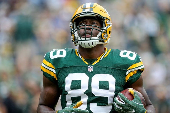 GREEN BAY, WI - SEPTEMBER 25: Jared Cook #89 of the Green Bay Packers warms up before the game against the Detroit Lions at Lambeau Field on September 25, 2016 in Green Bay, Wisconsin. (Photo by Dylan Buell/Getty Images)