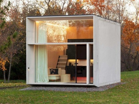 You can build this solar-powered portable house in just four hours