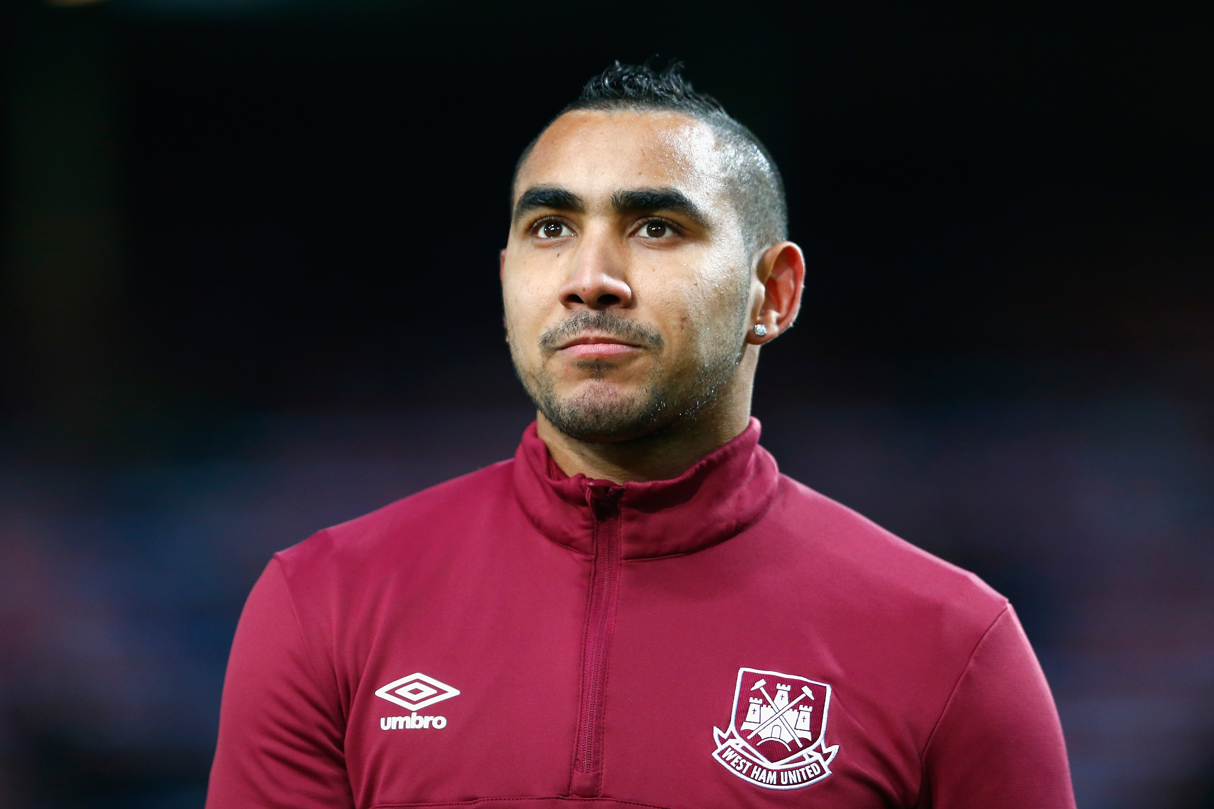 LONDON, ENGLAND - MARCH 02: Dimitri Payet of West Ham United during the warm up prior to the Barclays Premier League match between West Ham United and Tottenham Hotspur at Boleyn Ground on March 2, 2016 in London, England. (Photo by Julian Finney/Getty Images)