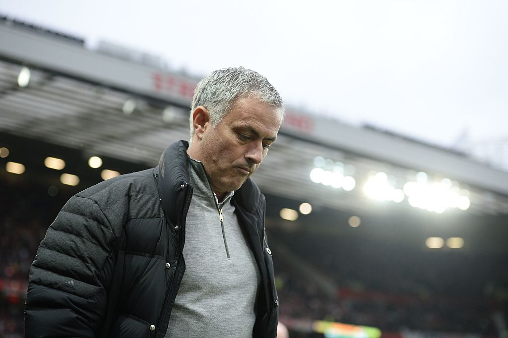 Manchester United boss Jose Mourinho isn't a magician and doesn't know his best team, claims Dick Advocaat