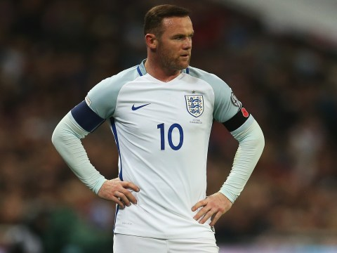 Manchester United captain Wayne Rooney leaves England training camp after picking up knee injury ahead of Arsenal clash