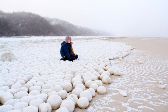 Giant snowballs in Nyda - 1 - The Siberian Times.jpg