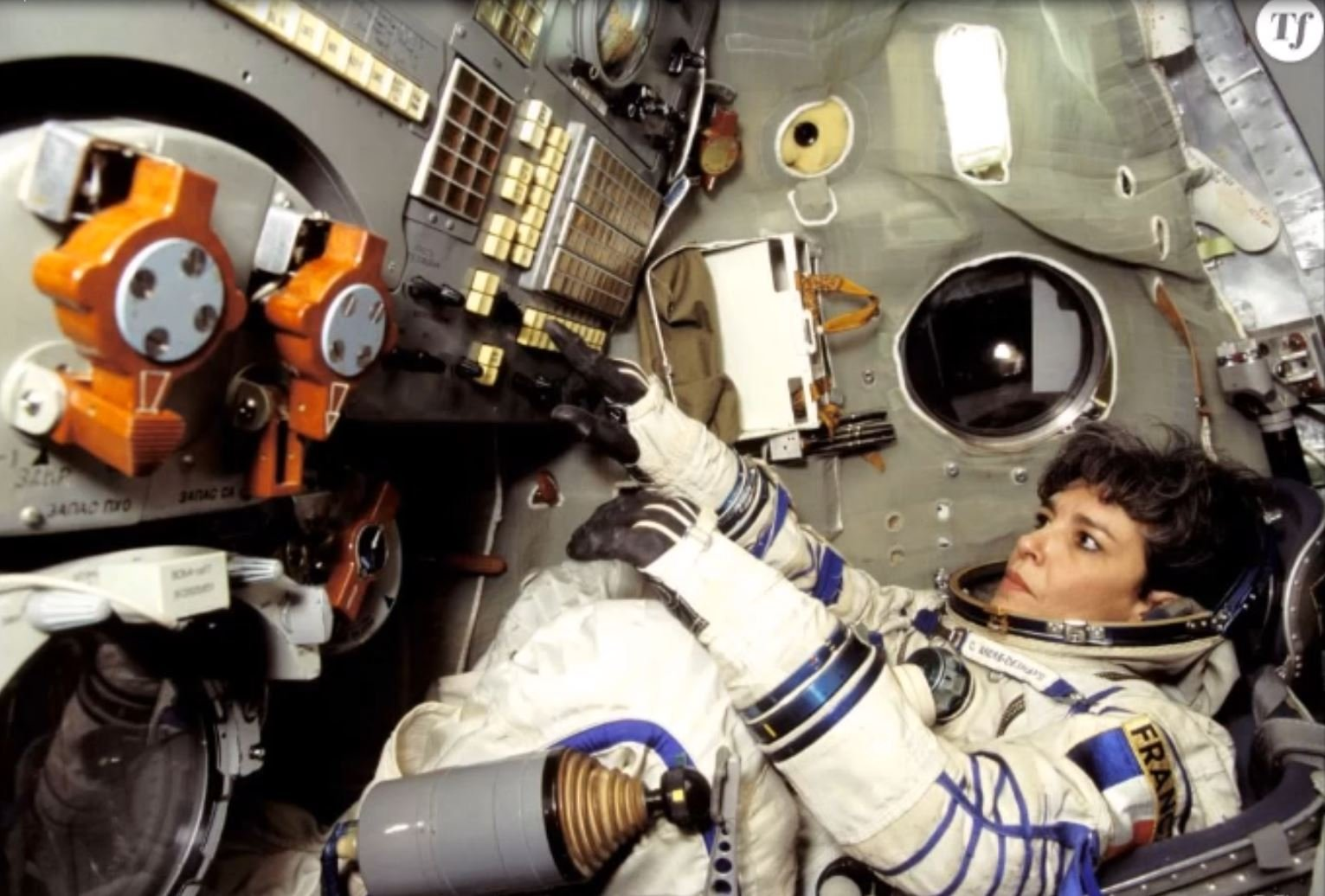 'Earth must be warned!' weird video of French astronaut watched 1m times pic - ufomania