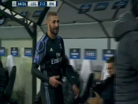 Real Madrid striker Karim Benzema furious after being subbed off vs Legia Warsaw