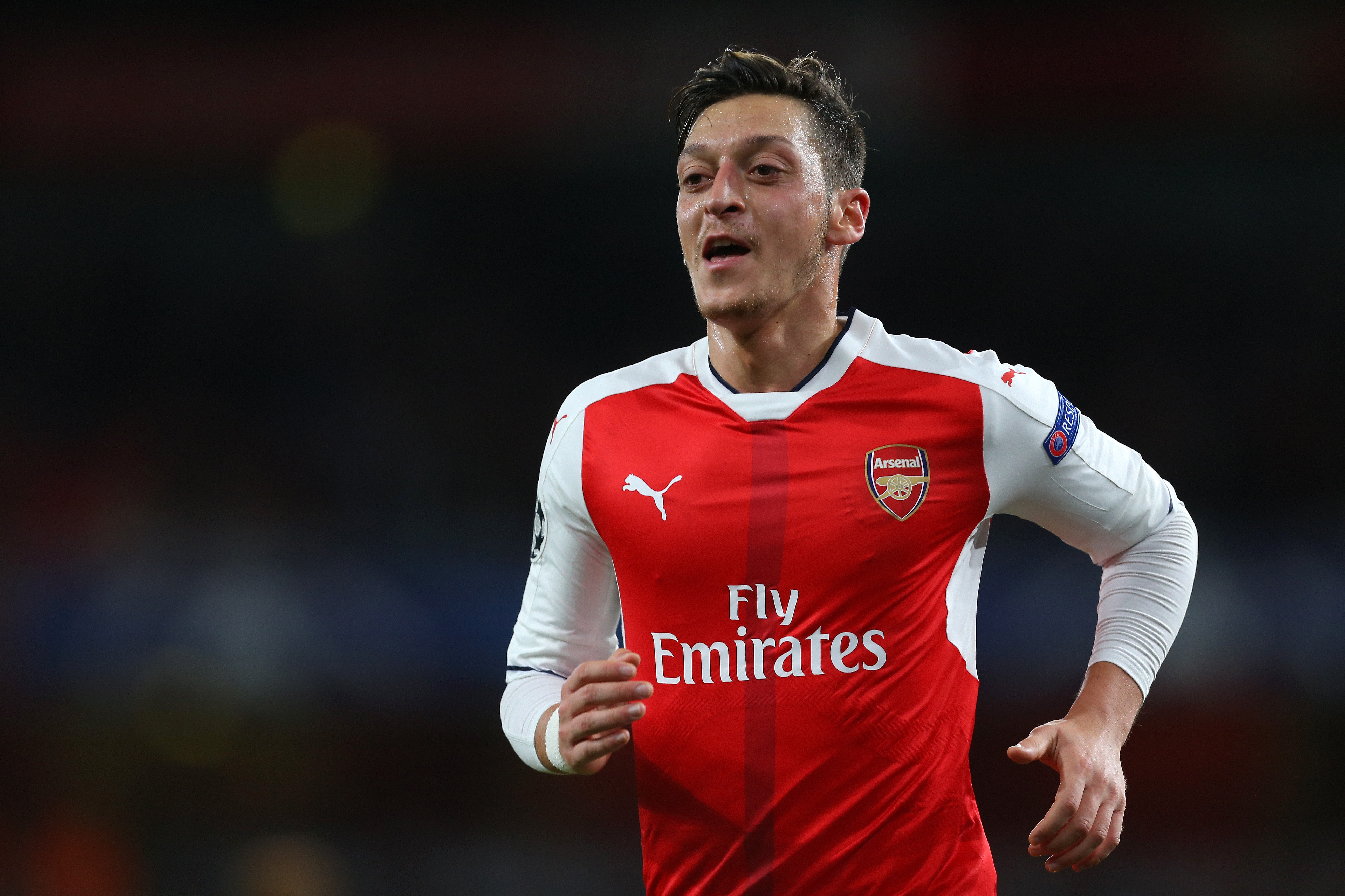 Arsenal manager Arsene Wenger admits that Mesut Ozil used to be lazy