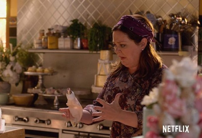 Melissa McCarthy returns as Sookie in Gilmore Girls (Picture: Netflix)