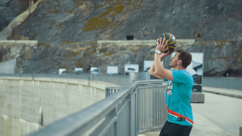 Man sinks ridiculous 180 metre shot in new basketball world record