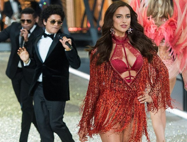 PARIS, FRANCE - NOVEMBER 30: Irina Shayk walks the runway as Bruno Mars performs during the annual Victoria's Secret fashion show at Grand Palais on November 30, 2016 in Paris, France. (Photo by Samir Hussein/Samir Hussein/WireImage)