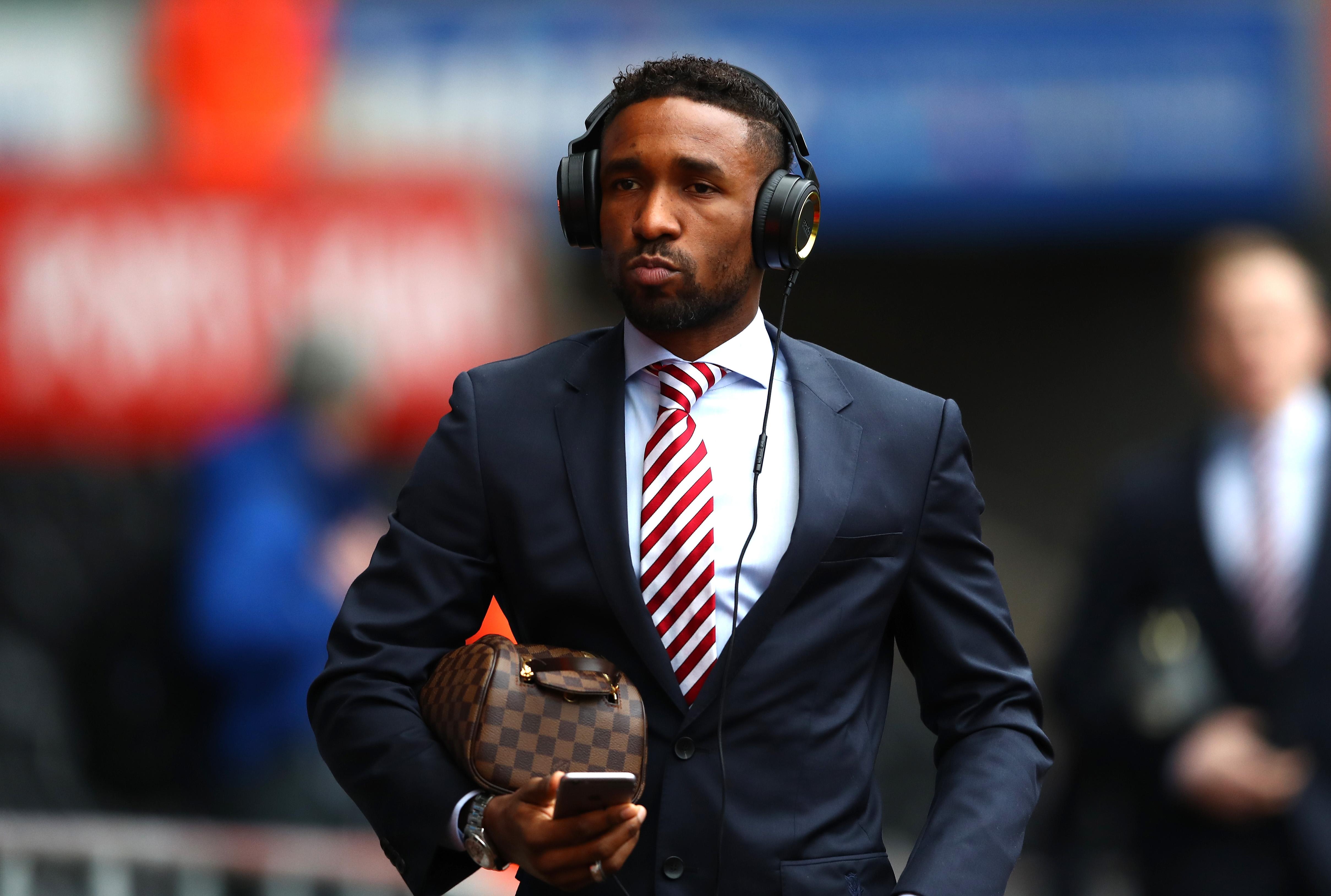 West Ham target Sunderland striker Jermain Defoe in £6m January raid