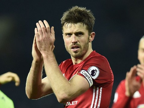 Michael Carrick told he must take a pay cut if he wants to stay at Manchester United