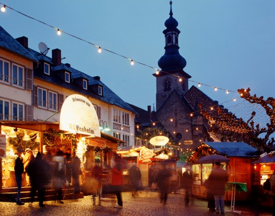 Islam Christmas.Muslims Ordered To Leave Christmas Market After Setting Up