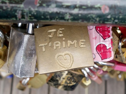 Paris 'love locks' are going to be sold to raise money for refugees