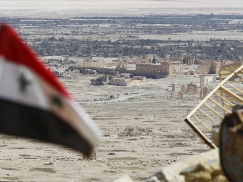 Isis re-enters ancient city of Palmyra in fierce battle with Syrian army