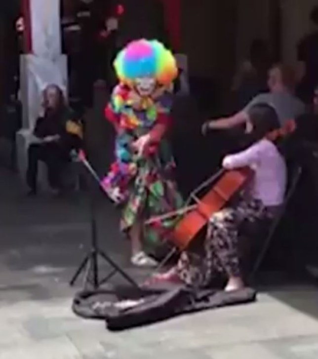 That's not in the spirit of clowning (Picture: Reddit)