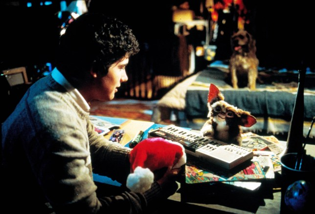 Gremlins Christmas.10 Reasons Why Gremlins Is The Best Christmas Movie Ever