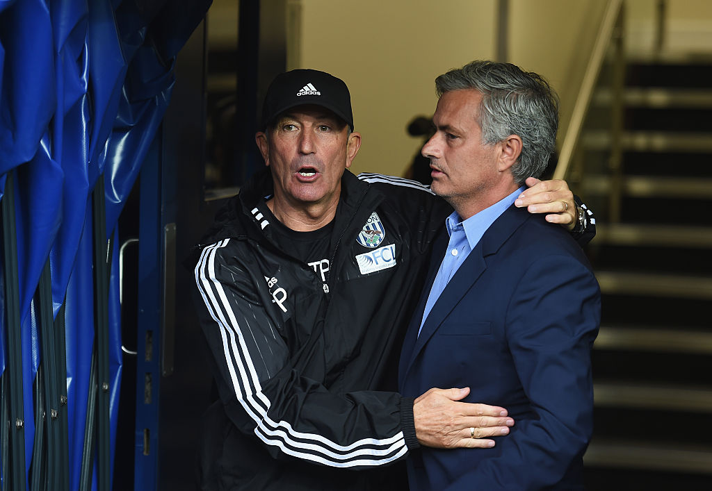 Manchester United fans says Tony Pulis should replace Jose Mourinho and Robbie Savage can't handle it