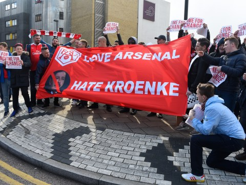 Arsenal fans lose the plot as Stan Kroenke prepares to buy out Alisher Usmanov